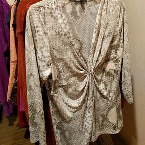 Chaus python print blouse m